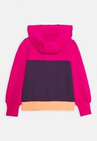 Nike Sportswear - COLORBLOCK HOODIE - Mikina - fireberry - 1