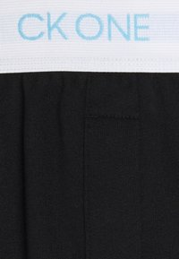 Calvin Klein Underwear - ORIGINALS SLEEP SHORT - Pyjama bottoms - black - 2