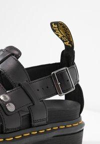 Dr. Martens - TERRY - Sandály na platformě - black brando - 2