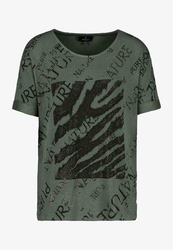 MIT RUNDHALS UND ALLOVER-PRINT - Print T-shirt - pinie gemustert