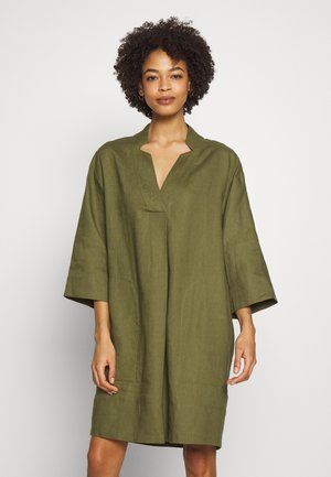 ESSENTIAL - Tunic - winter moss