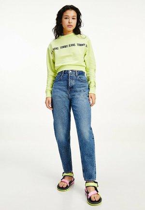 Jeans Tapered Fit - emf sp mb rgd