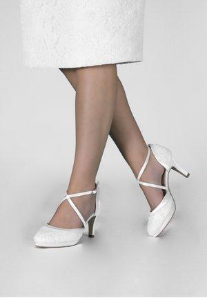 BRAUTSCHUHE ISOBEL - SPITZE - Classic heels - ivory