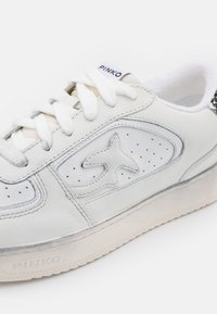 Pinko - LIQUIRIZIA - Trainers - white - 6