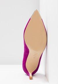 Shoe The Bear - CORA METAL TOE - Classic heels - purple - 6