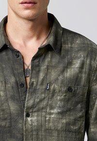 Tigha - TIE-DYE HAKU - Shirt - vintage ocean grey - 3
