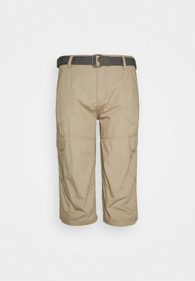 LONG CARGO WITH BELT - Shorts - sand