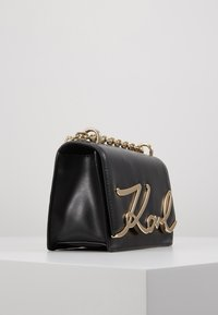 KARL LAGERFELD - SIGNATURE SMALL SHOULDERBAG - Sac bandoulière - black/gold - 4