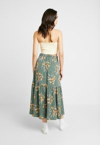 Monki - MANDY SKIRT - Falda larga - green flower - 2