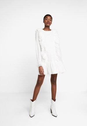 SEA BREEZE DRESS - Denní šaty - white