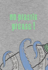 Blue Seven - SMALL BOYS OCTOPUS - Print T-shirt - nebel - 2