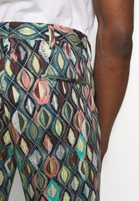 Bertoni - BLOCH TROUSER EXCLUSIVE - Trousers - black - 3