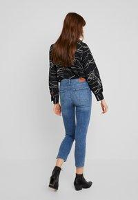 ONLY - ONLSIENNA SLIM ANKLE - Jeans Skinny - medium blue denim - 2