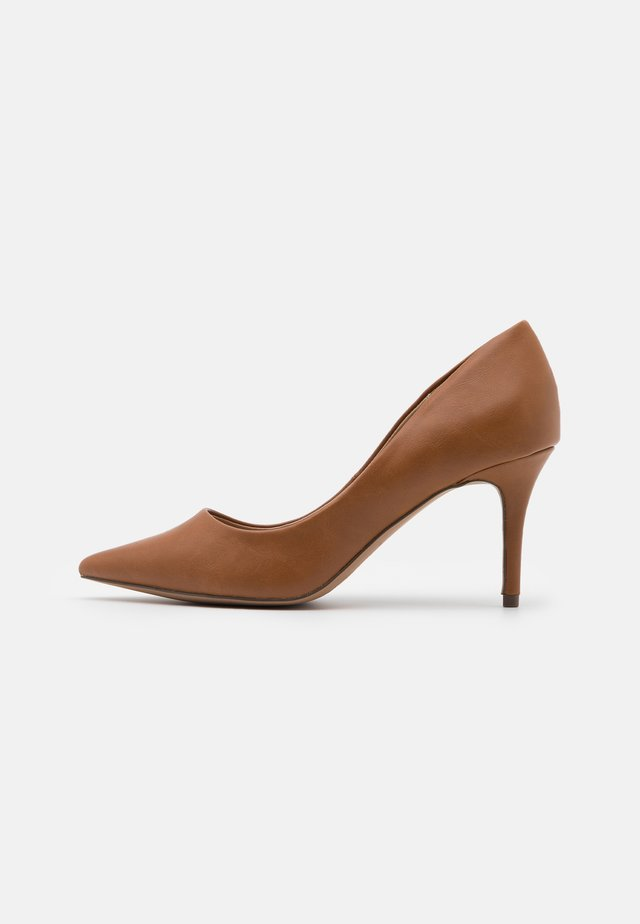 ECLIPSE - Pumps - cognac