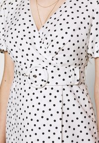 Forever New Petite - DRESS - Sukienka letnia - white/black - 5