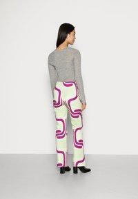 HOSBJERG - DITTE PALOMA PANTS - Spodnie materiałowe - royal fade mint - 2
