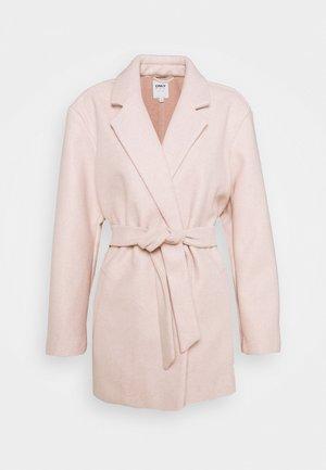 ONLTRILLION BELT COATIGAN - Klasický kabát - rose smoke melange