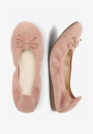 PINK STUDDED FLEXI BALLET SHOES (OLDER) - Ballet pumps - pink