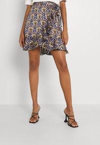 Scotch & Soda - PRINTED WRAP OVER SKIRT - Mini skirt - combo - 0