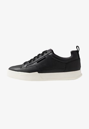RACKAM CORE LOW - Sneakers laag - black/white