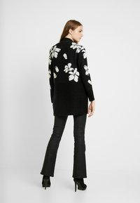 ONLY - ONLEUNICE CARDIGAN - Cardigan - black/cloud dancer - 2
