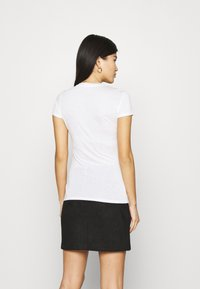 Armani Exchange - T-shirts med print - optic white - 2