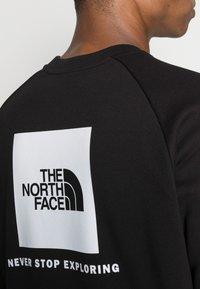 The North Face - RAGLAN REDBOX CREW NEW  - Sweatshirt - black - 4