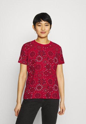 LYON - T-shirts med print - red
