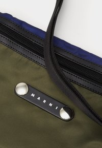 Marni - Olkalaukku - black/ultramarine/forest green