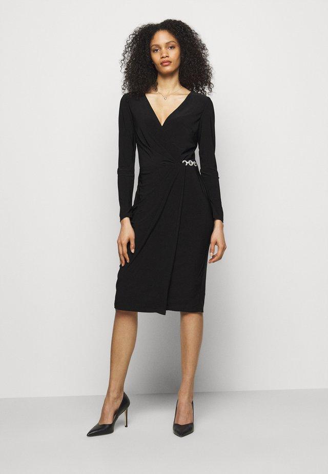 CLASSIC DRESS - Sukienka z dżerseju - black
