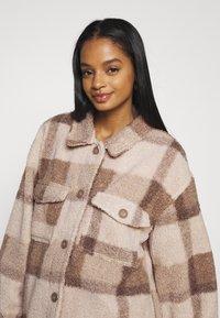 Cotton On - COSY CABIN SHACKET - Krátky kabát - natural - 3