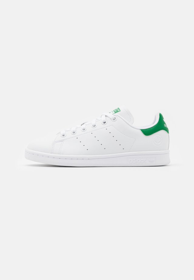 STAN SMITH VEGAN SPORTS INSPIRED SHOES UNISEX - Baskets basses - footwear white/green