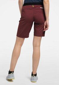 Haglöfs - KURZE WANDERHOSE L.I.M FUSE WOMEN - Outdoor Shorts - maroon red - 2