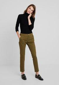 Sisley - TROUSERS - Pantaloni - olive - 2