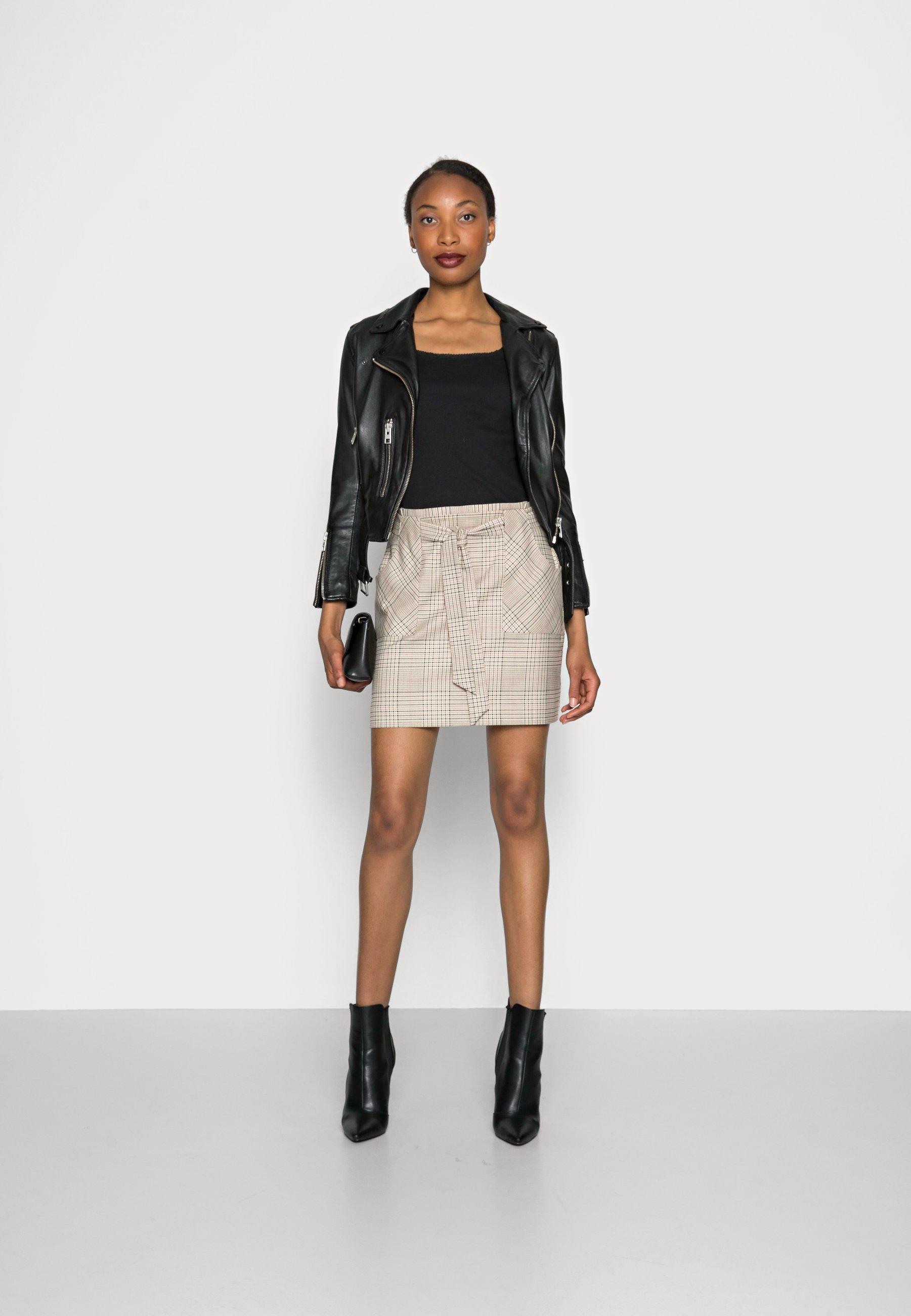 Mujer EROSA  - Minifalda