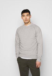 Les Deux - CALAIS - Sweatshirt - grey melange - 0