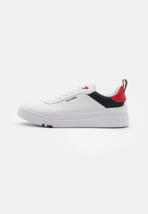 MODERN CUPSOLE - Matalavartiset tennarit - red/white/blue