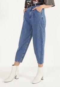 Bershka - Jeans Tapered Fit - light blue - 2