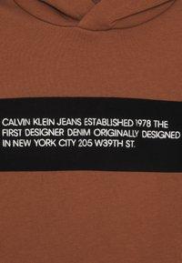 Calvin Klein Jeans - Hoodie - brown - 2