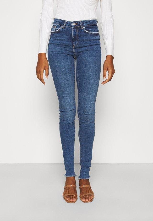 VMHANNA RAW EDGE - Jeans Skinny Fit - dark blue denim