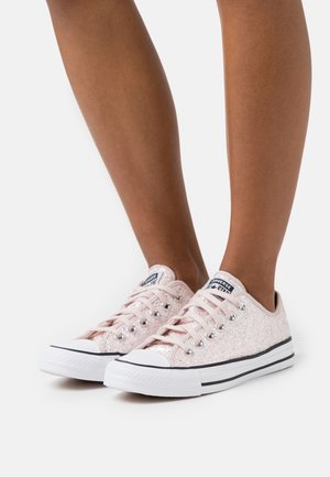 CHUCK TAYLOR ALL STAR ALL-OVER GLITTER - Joggesko - silt red/black/white
