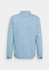 Maison Labiche - WORKER JACKET AMORE - Giacca di jeans - denim bleached - 1