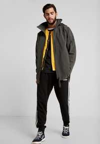 adidas Performance - MYSHELTER 3IN1 WINTER JACKET - Parka - olive - 1