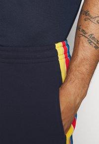 Lacoste Sport - SHORT - Short de sport - navy blue/marine/white - 4