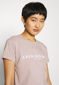 Abercrombie & Fitch - PARIS LOGO TEE  - Print T-shirt - pink - 3