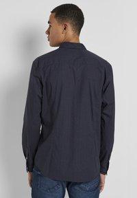 TOM TAILOR DENIM - Shirt - navy grid triangle print - 2