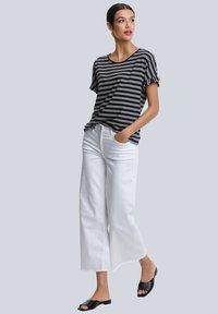 Alba Moda - Print T-shirt - schwarz,off-white - 1