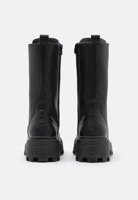 Topshop - KANA LACE UP BOOT - Bottes à lacets - black - 3
