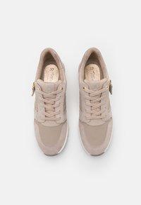 Tamaris - Sneakers laag - taupe - 5