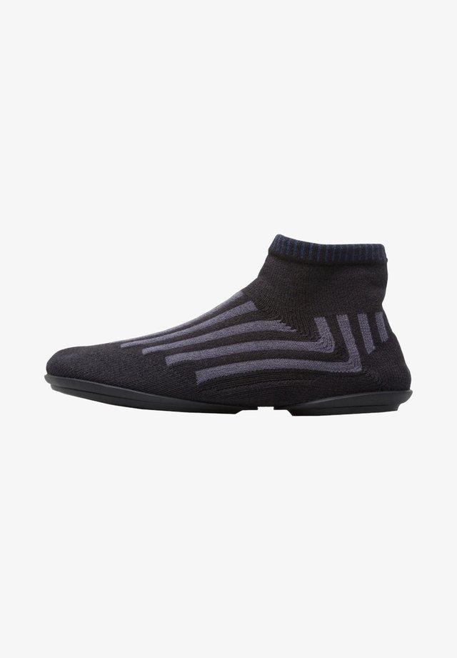 RIGHT K400521-001 37 - Boots à talons - multicolor
